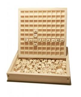 Formar palabras de madera. Medidas totales: 3x18x20 cm.