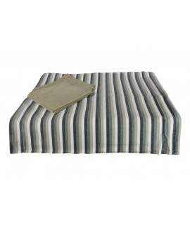 Mantel gris con servilletas