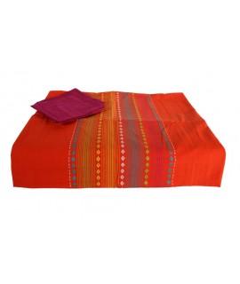 Mantel rayado color naranja con servilletas
