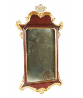 Espejo de pared madera maciza tallada i vidrio envejecido. Colección CHRISTOPHER GUY. Medidas: 52x26 cm.