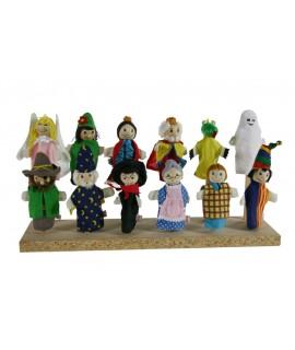 Marionetas de dedo en madera y tela.