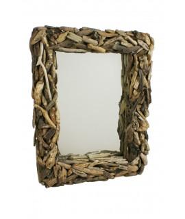 Espejo de pared rústico de estructura de troncos. Medidas totales: 90x70x16 cm.