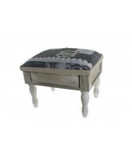 Caja costurero de madera rústico con patas. Medidas totales: 31x30x40 cm.