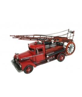 Camión de bomberos antiguo color rojo