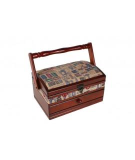 Costurero de madera con tapas acolchada con diseño costura de color nogal. Medidas totales: 14x24x16 cm.