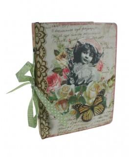 Album photo de style vintage avec couverture décorée