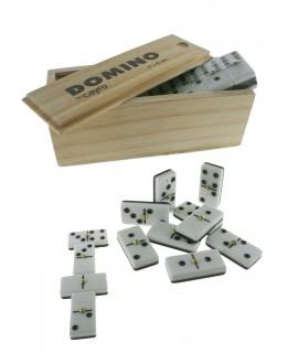 Dominos dans une boîte en bois. Puces 21x42 m / m.