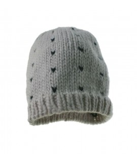 Gorro de invierno acrílico color crudo y dibujo negro estilo nórdico ideal regalo para mujer. Medidas: talla única adulto.