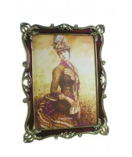 Marco portafotos metálico estilo romántico pintura vitrificada. Medidas: 20x15 cm.