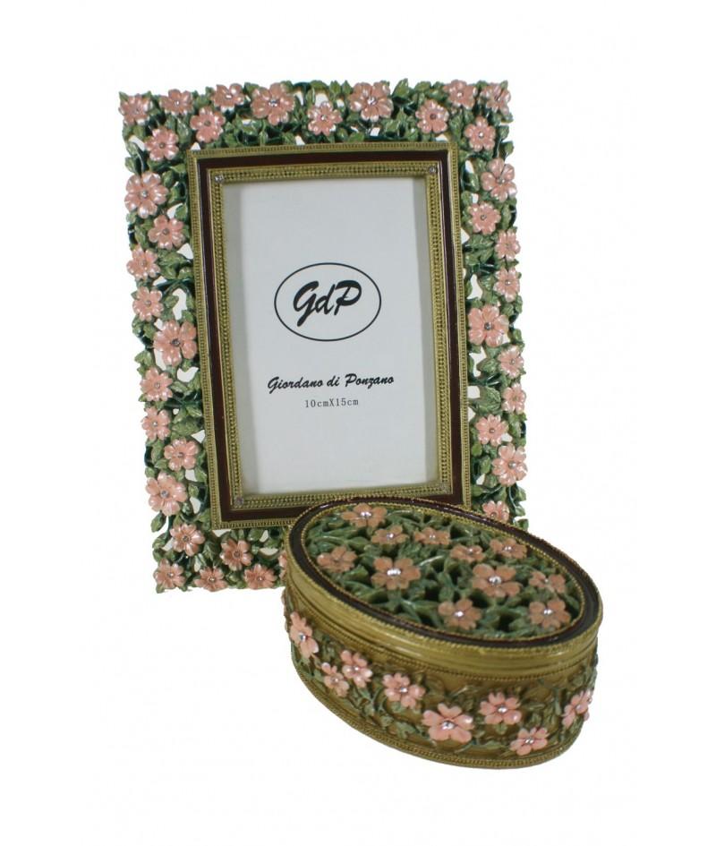 Conjunto de marco para foto y cajita en resina estilo romántico.