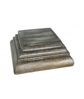 Pedestal de fusta massissa acabat en plata vella