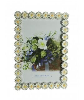 Marco portafotos sobremesa con forma de margaritas esmaltadas decoración hogar vintage. Medidas: 17x12x2 cm.