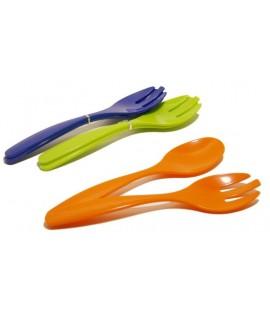 Juego de cubiertos para servir la ensalada formado de cuchara y tenedor