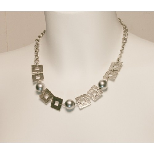Collar de Metal Perla color Gris
