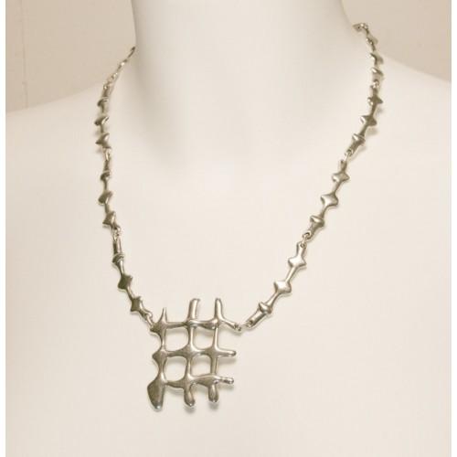 Collier de métal