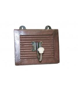 Colgador perchero pequeño de madera color nogal. Medidas totales: 15x12x12 cm.
