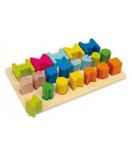 Joc de taula amb formes de fusta encaixables