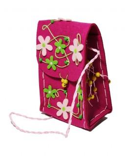 Sac à bandoulière en tissu pour enfants avec fleurs roses. Dimensions: 9x26x15 cm.