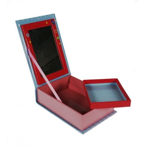 Boîte à bijoux pour enfants avec miroir. Mesures: 7x17x12 cm.