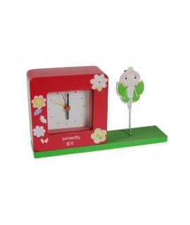 Rellotge despertador infantil amb porta notes. Mesures: 12x20x5 cm.