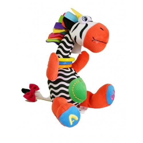 Colorida jirafa para bebé con diferentes materiales para la motricidad infantil