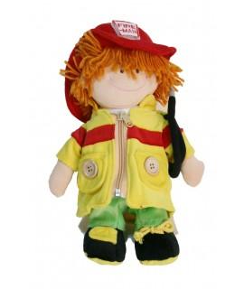 Muñeco de trapo con vestido de profesión bombero