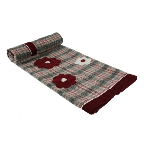 Manta decorativa para sofá y cama color granate con bordado