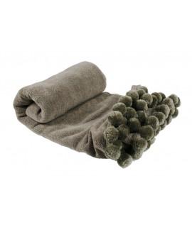 Manta color gris con flecos y pompones. Medidas: 130x150 cm.