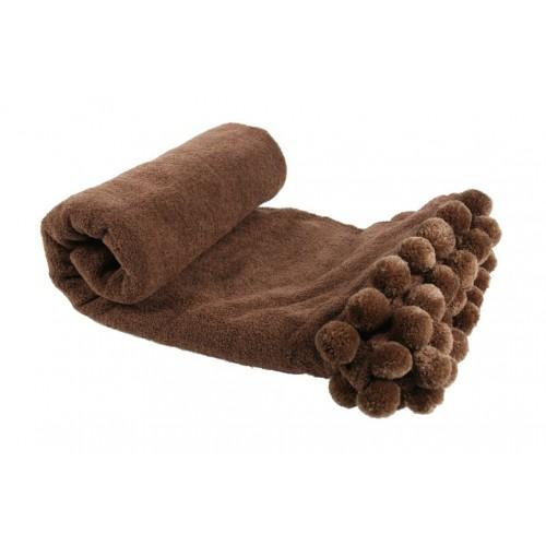 Manta con pompones color marrón
