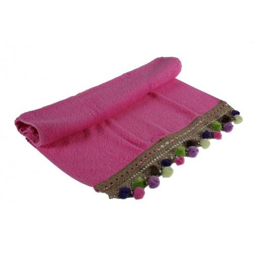 Juego de toallas de baño color rosa con cenefa ambiente estilo rustico