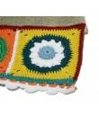 Toalla de baño color granate con cenefa de ganchillo estilo hippie