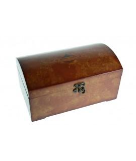 Cofre joyero de madera color cerezo con forro interior. Medidas: 13x24x14 cm.