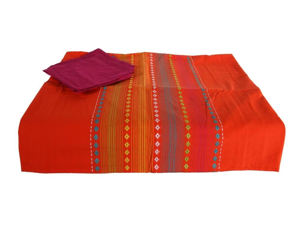 Mantel color naranja con 4 servilletas a juego para vestir tu mesa