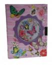Diario infantil con llave color rosa ilustración mariposa