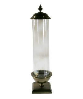 Urna de cristal con base de metal y tapa superior. Medidas: 65xØ 15 cm.