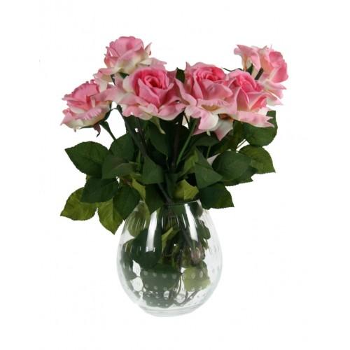 Vase en verre sculpté de style classique.