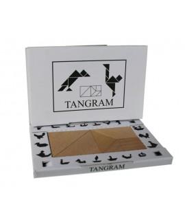 Tangram de fusta de faig per treballar el raonament geomètric.