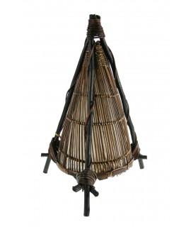 Lámpara de sobremesa forma pirámide de cañas decoración hogar rustico