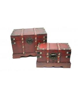Caja joyero de madera color caoba con herrajes y correas. Medidas: 11x18x10 cm.