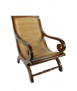 Sillón contemporáneo en madera de teka y ratán. Medidas: 92x62 cm.