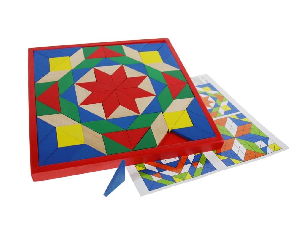 Puzzle de mosaico en madera con diversos colores llamativos