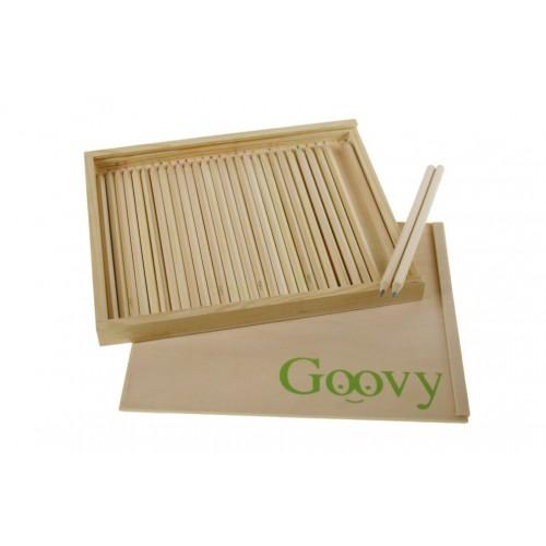 Lápices colores en caja de madera
