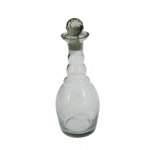 Botella de vidrio clásica con detalles en relieve