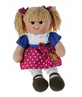 Muñeca clásica de trapo con vestido de color rosa