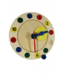 Horloge pour lire l'heure du bois. Pour apprendre à jouer.