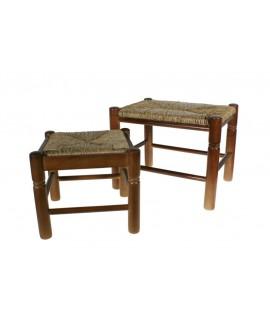 Banqueta descalzadora madera natural asiento de anea fibras naturales decoración clásica descanso pies