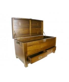 Baúl de madera con candado