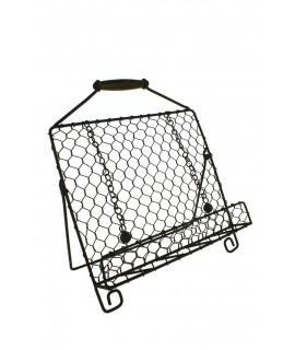 Atril de metal en rejilla y con asa de madera para transporte. Medidas: 33x29x17 cm.