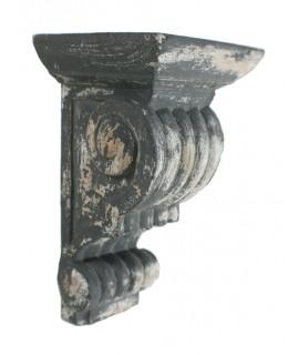 Étagère en bois sculpté de style vintage