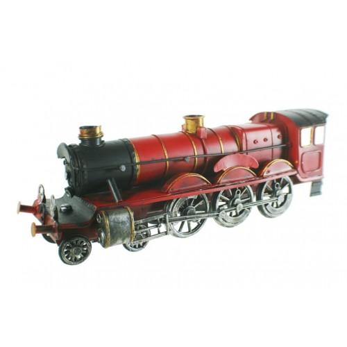 Locomotora de metal color rojo estilo retro. Medidas: 12x36x9 cm.